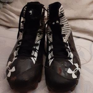 Under amor cleats